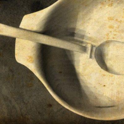 Drevená misa s varechou
